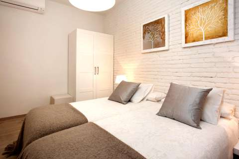 Terrace Corcega 2 barcelona apartment - twin bedroom