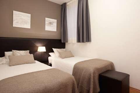 Apartments barcelona - bedroom of the apartment Sant Pau 4